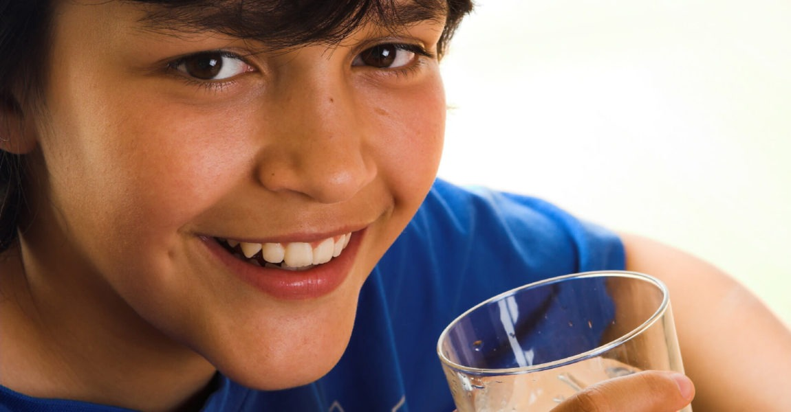 Idratazione bambini: cosa fare quando arriva la bella stagione.