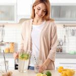 Come preparare bevande detox in casa