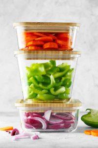 Per risparmiare in cucina usa contenitori in vetro e dimentica la carta argentata